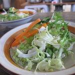 カフェ コルリ - ランチのサラダ!