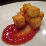 Amets - ラ・マンチャ地方定番のチーズのフライ、トマトジャムと