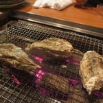かき小屋 恵比寿 - 焼き牡蠣