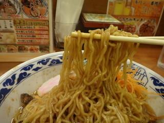 らーめん亀王 道頓堀店 - 麺アップ