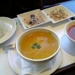 マンゴツリーカフェ ルミネ横浜 - ココナッツカレーセット