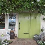 ルフィアージュ - グリーンの扉の店舗入り口