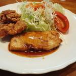 モン・クレール - 本日のランチ(魚のムニエルと鶏のから揚げの盛り合わせ)