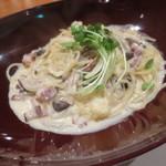 31804620 - 木ノ子と自家製ベーコンのクリームパスタ モッツァレラチーズ風味