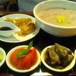 31807295 - 上海粥と焼ワンタンの膳