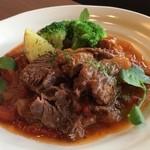 Shu-ya - 月替わりのお肉のトマト煮込みは来店されたら是非ご注文頂きたい料理!