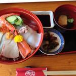 秀吉 - 美味しい海鮮丼です!