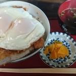 31820283 - ランチメニューの「岡田カツ丼」(630円)
