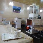 コーヒーショップかすみ草 - シンプルな店内