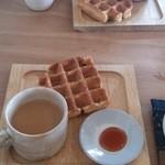 えんがわ - 【2014.10.4】焼きたてワッフルと紅茶