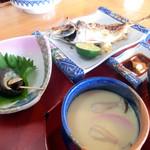 お食事処 たき - 活きアジ塩焼き定食