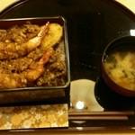 いづみ荘 - 天丼 1,100円