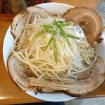 31826099 - 2014年9月 味噌チャーシュー麺 大盛り 太麺 スープ普通 1080円
