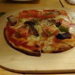 31837277 - 自家製ベーコンのマルゲリータピザ(ミニピザ)