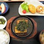 御食事処 萩 - 料理写真:豆腐ステーキ