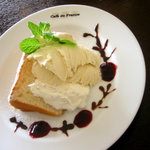Cafe de 佛蘭西 - 自家製シフォンケーキ(写真は期間限定の「ホワイト」)