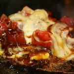 狸狸亭 - 料理写真:フレッシュトマトとチーズのお好み焼