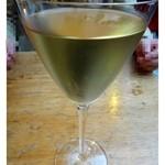 Drosselhof - ワインは全く知識がありませんので、スタッフの方にお勧めを聞き「白ワイン」をいただきました。ドイツの白ですから「甘口」なのですが、芳醇でとても美味しい。