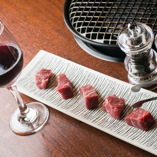 赤ワインに合う『熟成肉』で、リッチな気分の焼肉を