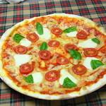 レストラン シアトル - ピザ マルゲリータ