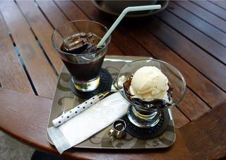 冨久豆 - コーヒーゼリーとアイスコーヒー