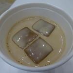 Unir - アイスのカフェラテ