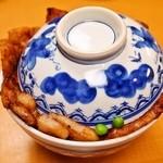 ぱんちょう - 豚丼「華」