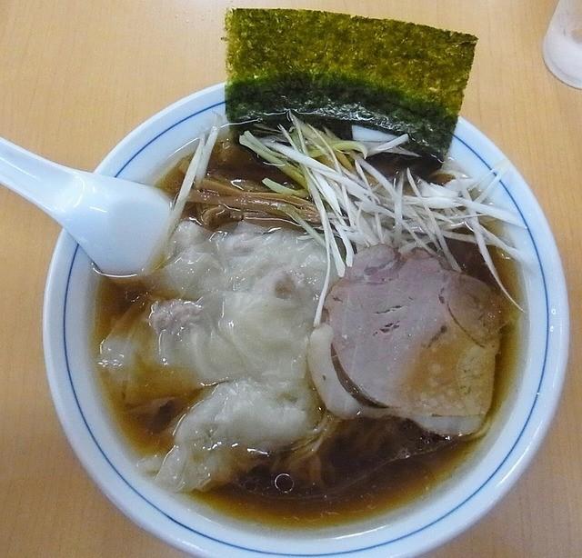 三ちゃん - ワンタンメン 650円
