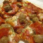 ママトコ with 絆ファクトリー - 新メニュー(本日のピザ)today's pizza topped with bacon,potato and cheese,tomato sauce