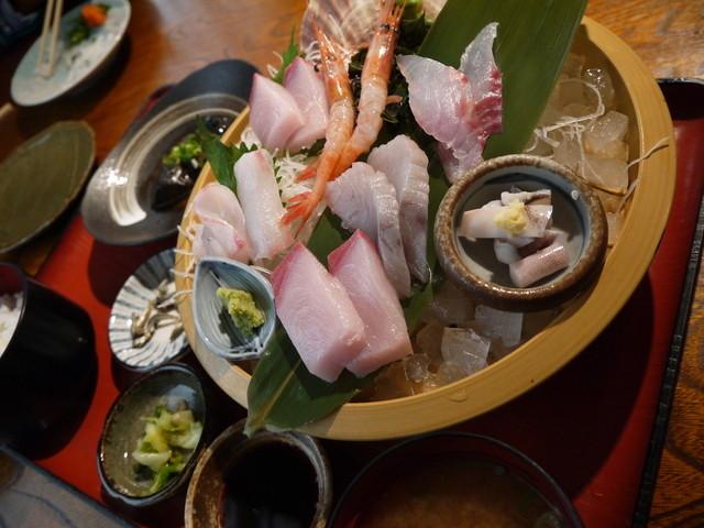 地魚料理 まるさん屋 (じざかな...