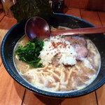 ○は - ◯は流濃厚鶏白湯麺(800円)+大盛(100円)