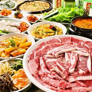 各種宴会に飲み放題付コースは5300円!