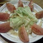 笑和酒場 - 冷トマト