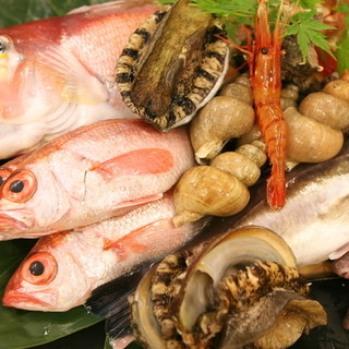 金沢ならではの新鮮な海の幸とおもてなしで「食」を楽しむ。