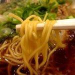 ラーメン魁力屋 - 麺は中細ストレート麺!(2014,10/20)