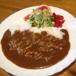 31887876 - カレーライス650円。美味い!辛い!