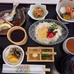 楓香荘 レストラン波賀の里 - 料理写真:鮎の塩焼きとそうめん定食