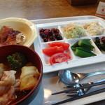ココス - バイキング①サラダ&トマトスープ