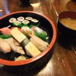海山 - お寿司&味噌汁