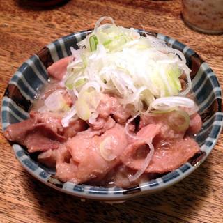 煮込 千成 本店 - 牛モツ煮込 ¥549(税別)