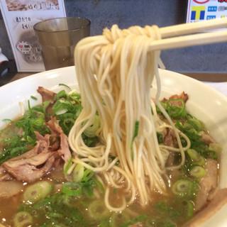 皇蘭 本店 - 麺は、極細ストレート麺