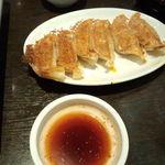 李朝園 - キムチ餃子