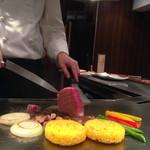 31898361 - サフランライス                       ステーキはミディアムレアで頼みました。                       お野菜は黄色、赤色のパプリカ、玉ねぎ、ししとう、椎茸