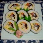 小花寿司 - ジャンボ巻き 10種類の具が入っています。美味しい魚と椎茸などの具の相性がとても良くてボリューム満点。