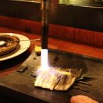 チョップスティックカフェ汁べゑ - しめ鯖の炙り