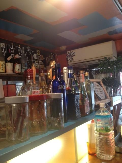 立ち飲み Compi - 立ち飲み Compiの昼営業はラーメン屋の店内(14.01)