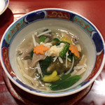天雅 - 炊合せ 甘鯛、とろろ昆布、高野豆腐、法蓮草、舞茸、えのき、エリンギ、人参、パプリカ