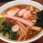 手打中華 特札堂 - 大盛りワンタン麺