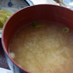 喫茶・お食事・おみやげ かもめ - 味噌汁(お刺身定食)