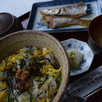 喫茶・お食事・おみやげ かもめ - 特産品へしこ茶漬定食